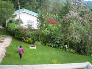ロッジの前庭。明日から登山だ。