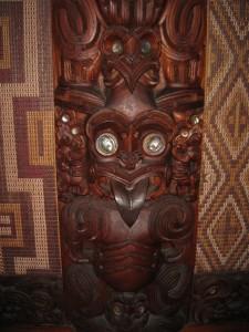 木彫のレリーフ